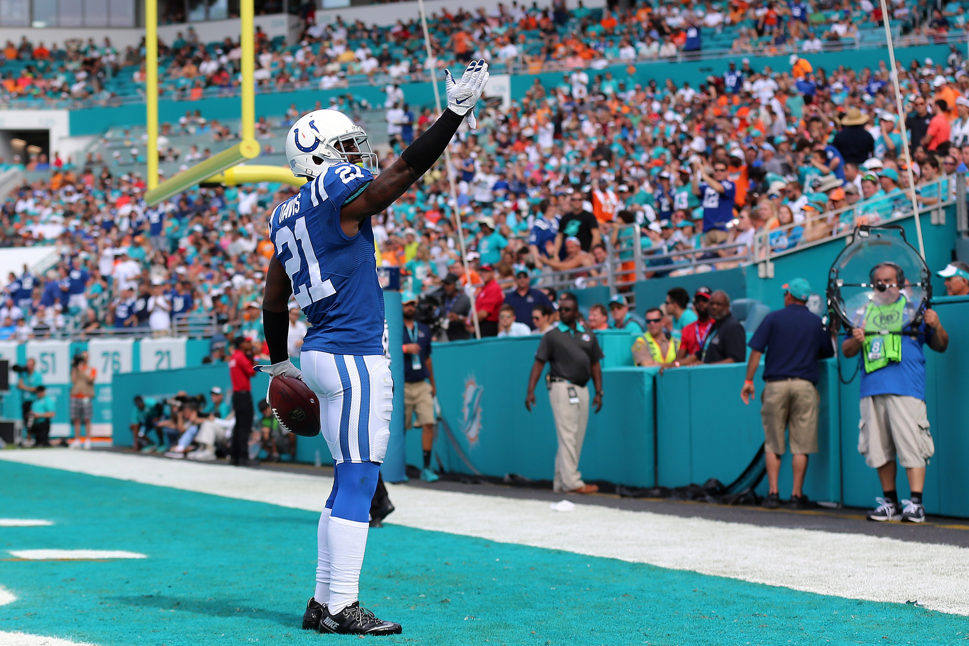 6e067f2c5 The Bills are looking to capitalize with the signing of CB Vontae Davis